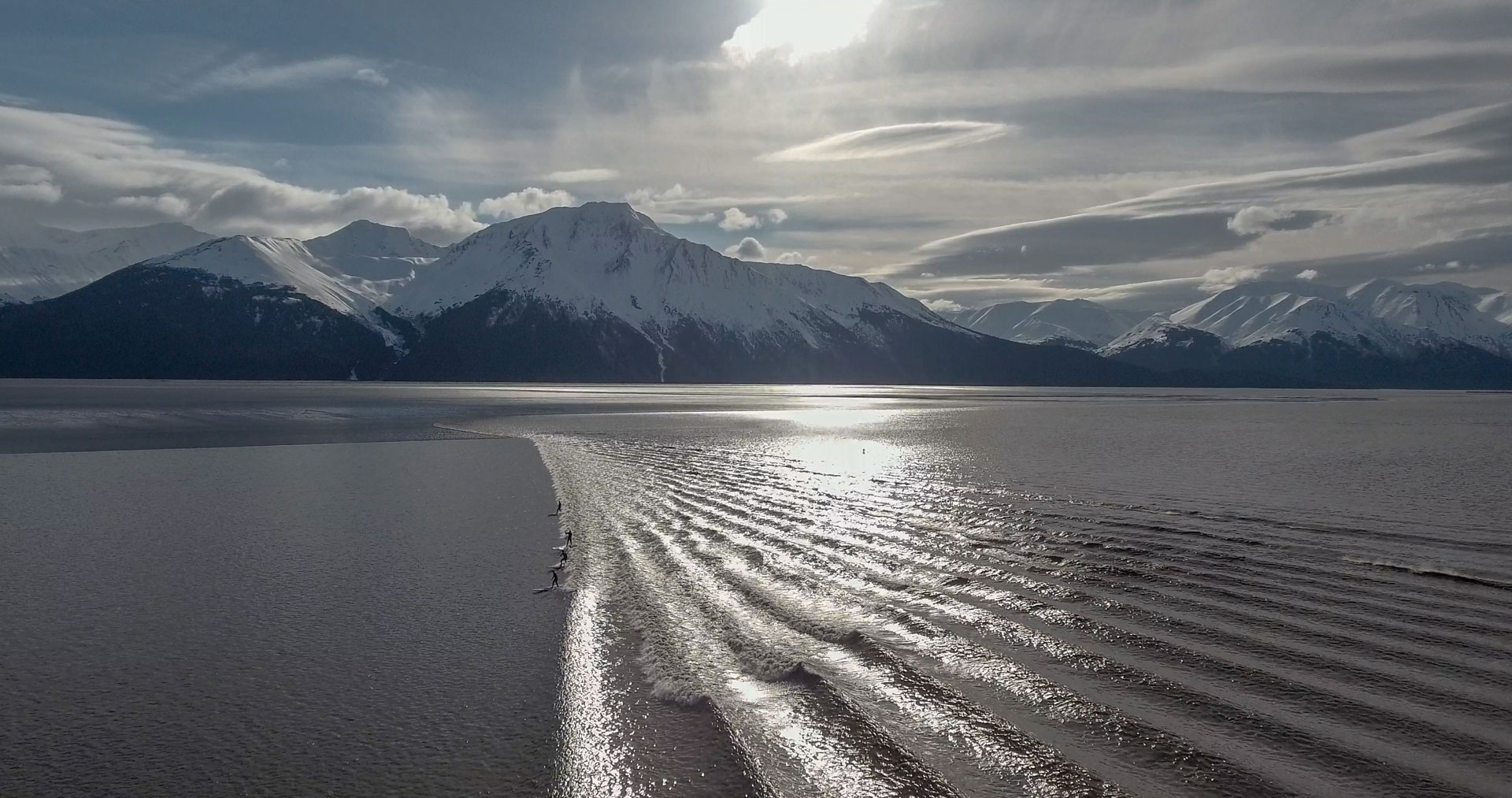 girdwood-alaska-bore-tide-wave-surfing